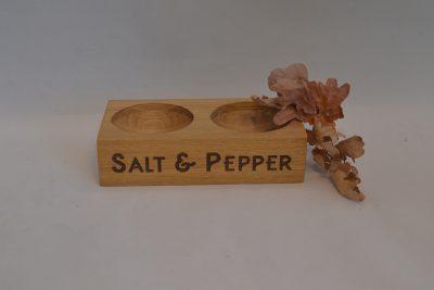 Personalised Engraved Wooden Oak double pinch salt & pepper pot